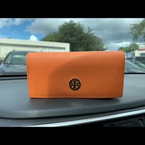 Tory Burch sun glass case